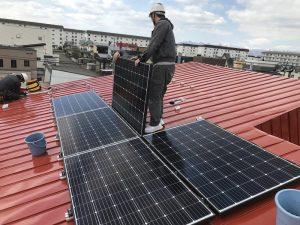 ソーラーシステム一式を寄付して頂きました